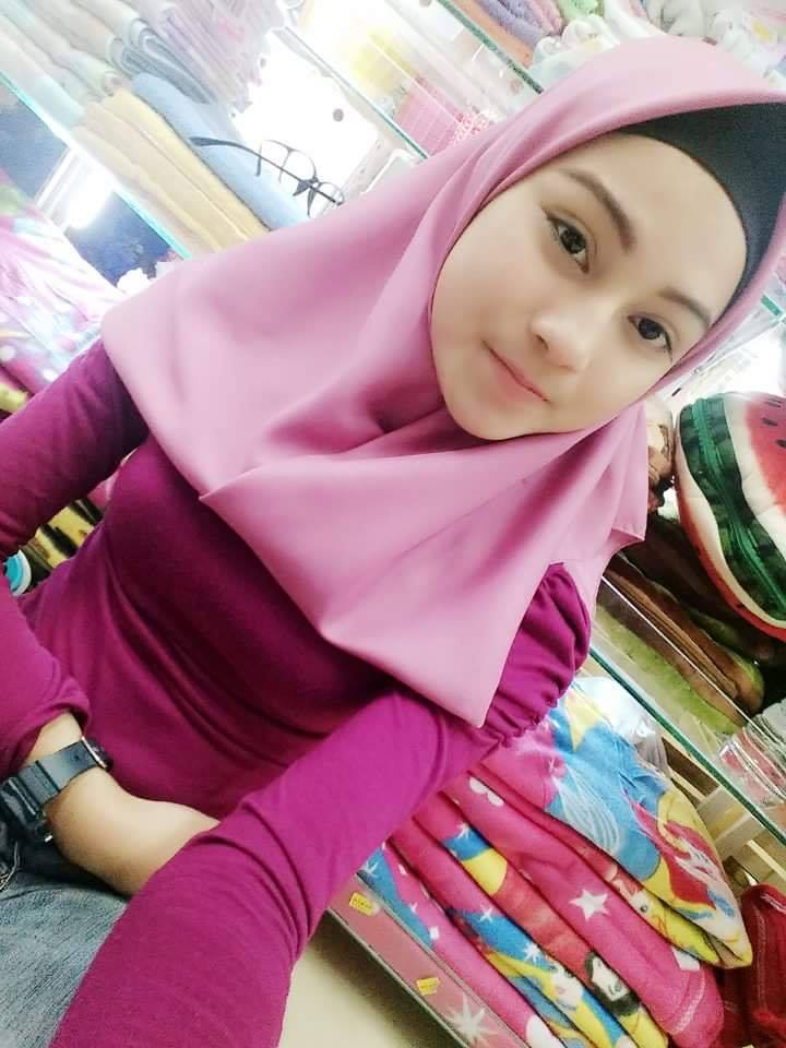 muslim girl whatsapp number