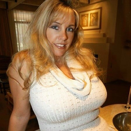 Wealthy Matured Lady in Nashville Tennessee
